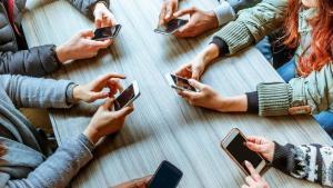 Картинки по запросу social-networking addiction